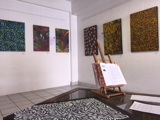 Installation, peinture aborigène