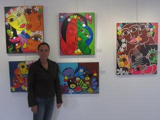 Sandrina Fouache lors de son exposition à la galerie Arte bello